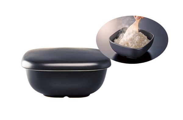 台所⇄食卓の往復って面倒…なら、鍋にピタッと貼り付くトリベットで楽チンに♪