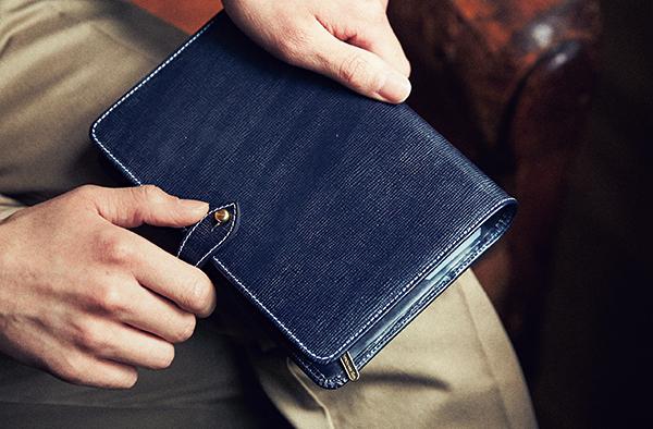 パンパン財布はNG!! これを押さえれば女子ウケ保証◎です