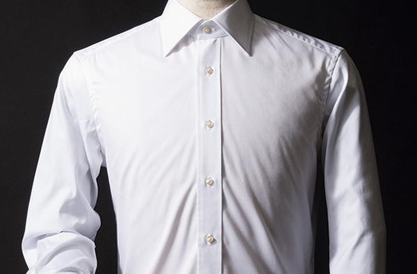 """1枚は持っておくべき! プラステのリネンシャツなら""""ラク""""ジュアリーに着まわせます"""