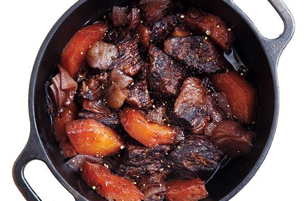 ダッチオーブンレシピFILE スペアリブのジンジャーベリーソース