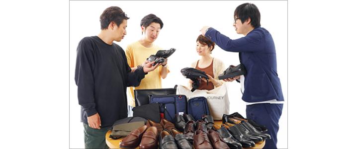 検証する武内さん、桐田さん、ヒラノ、イチカワ