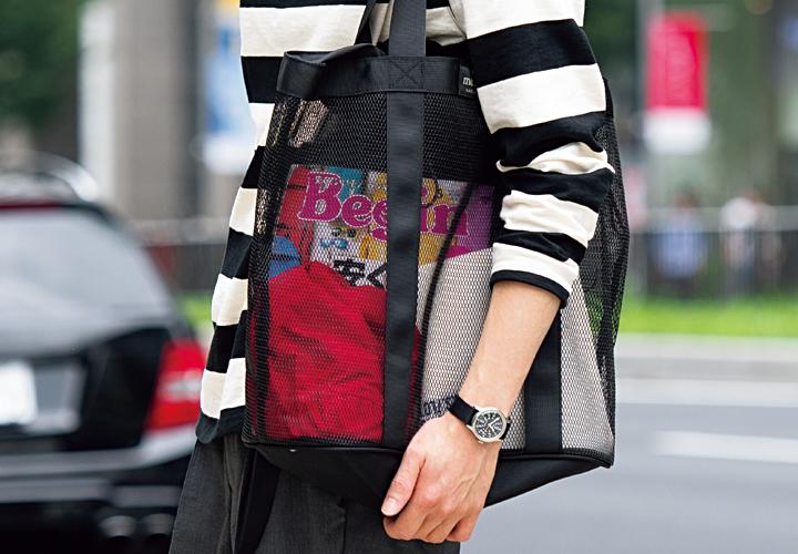 バッグの新潮流中身の見えるビジブルデザインのメッシュバッグ