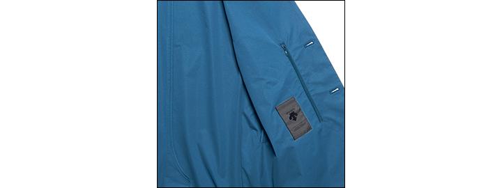 デサント ポーズのパッカブルジャケット&パンツ前見頃拡大画像