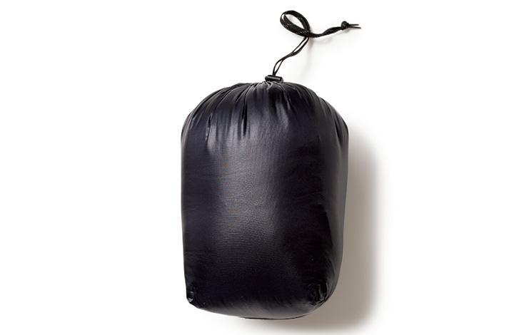 #クルクルッと巻いて収納袋へポンッ