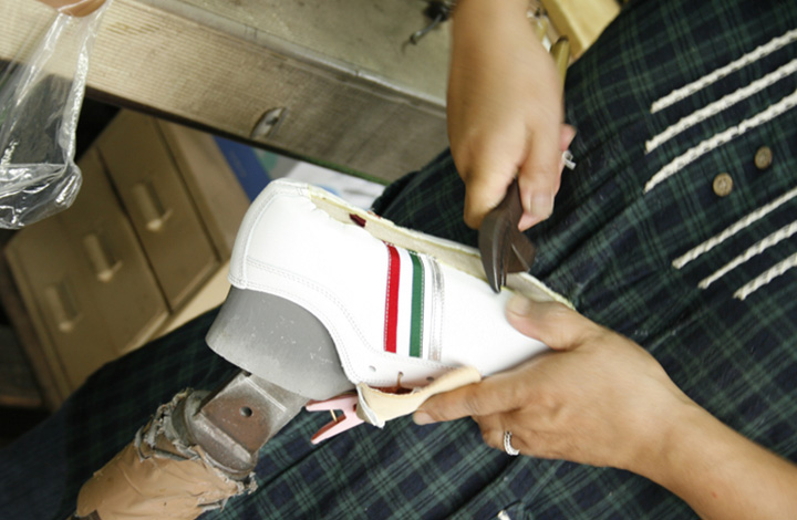 インソールには化粧品のパフにも用いられるラテックスラバーを採用