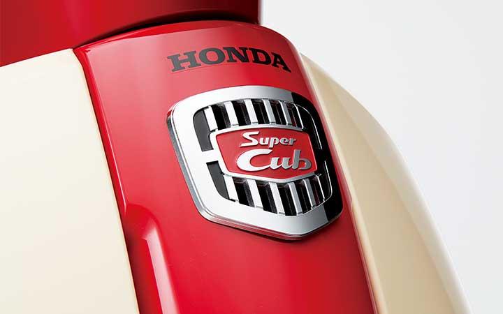 ホンダ スーパーカブ 50 60周年アニバーサリーのヘッドマーク画像