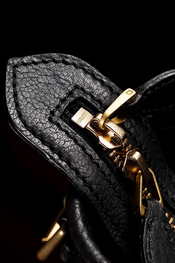 GANZOの超レア革製最高級鞄
