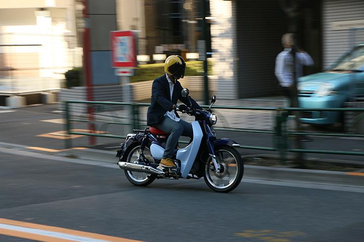 """125ccクラスのスクーターは""""街中では最速""""と言われるほどの機動力を発揮する"""