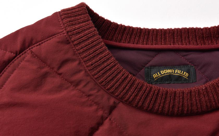 セーターのようにズボッとかぶるデザイン