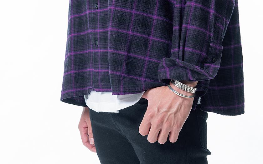 ボックスシルエットはTシャツの裾で緩急をつける