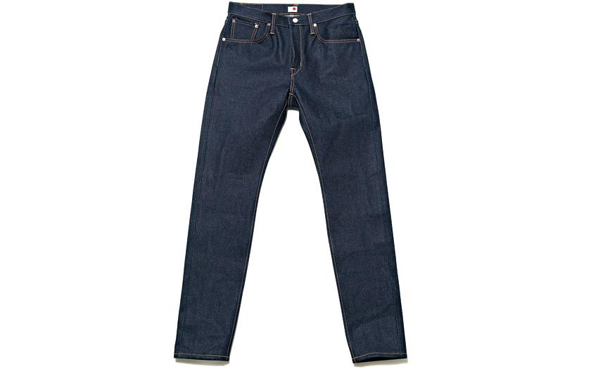 このジーンズ。極厚スリムテーパードは、その名も「ばりかた」!