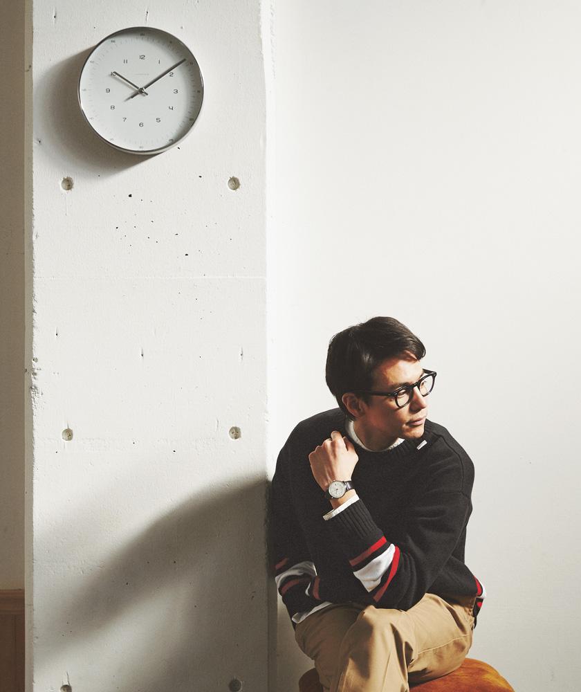 ユンハンスのマックス・ビル メガモデル着用 ユンハンスの掛け時計