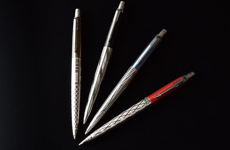 クリエイティブ心を呼び起こすおもちゃと、書き留めるためのペン。フォントもバウハウスにこだわる!