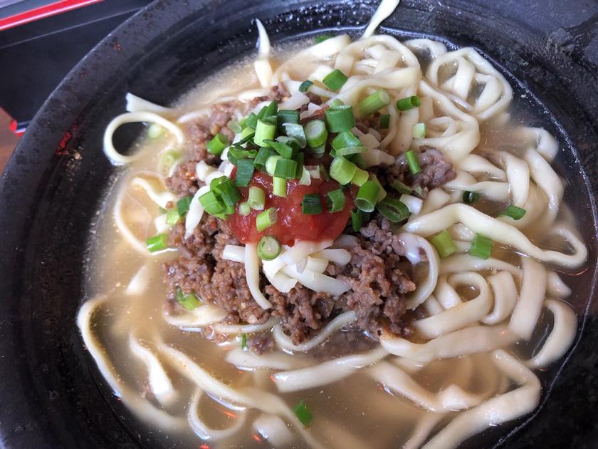 沖縄 「Isa麺」の沖縄タコスそば600円(税込み)