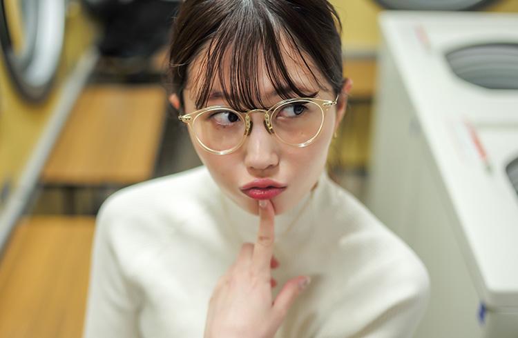 眼鏡女子と行ったお花見(1)~あのコのアイウェアが知りたい