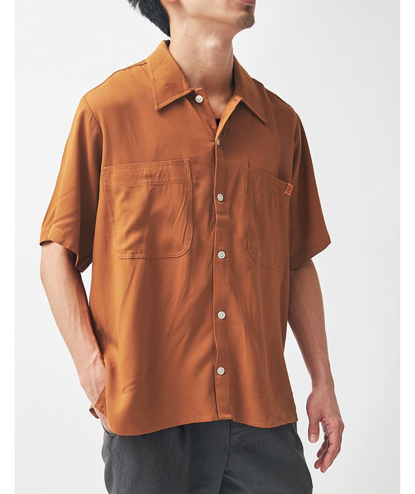 UNIVERSAL OVERALL ユニバーサルオーバーオールのオープンカラーシャツ モデル着用