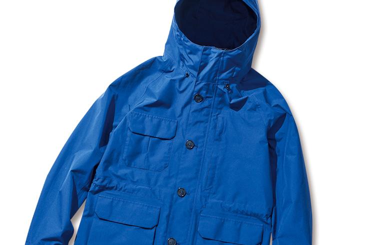 洗練されたデザインで街使いにいい「マムート」のフーデッドジャケット