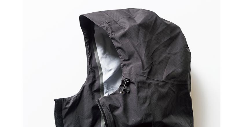 MAMMUT マムートのマサオライトHSフーデッドジャケットの立体的なフード