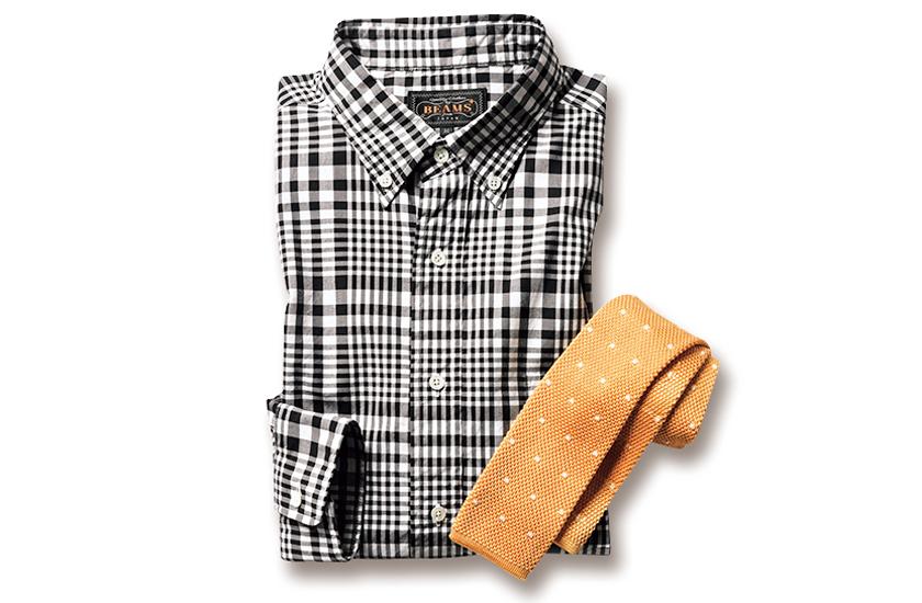 BEAMS PLUSの白黒ギンガムシャツ+FUMAGALLIのイエローニットタイ