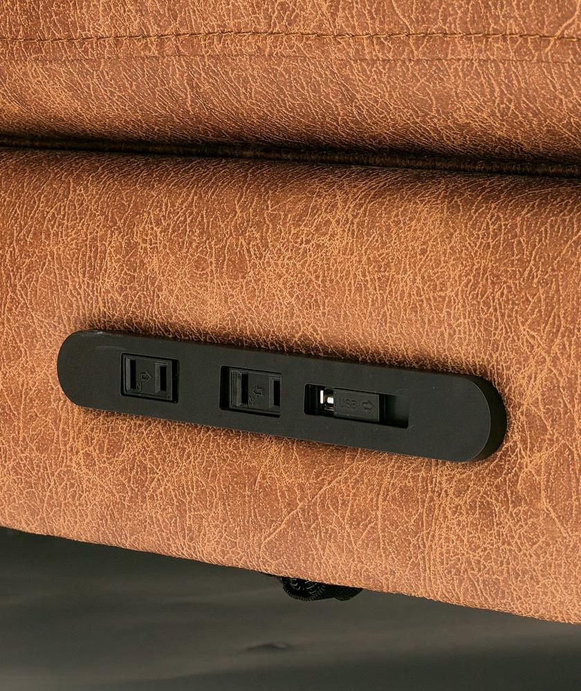 絶妙な位置にコンセント&USB
