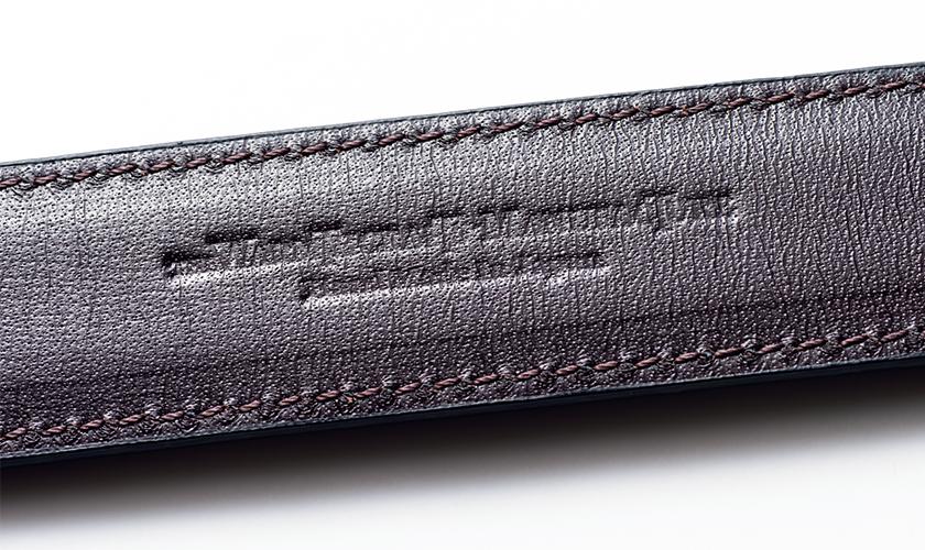 国内屈指の熟練職人が丁寧に縫い上げる規則正しい精緻なステッチ
