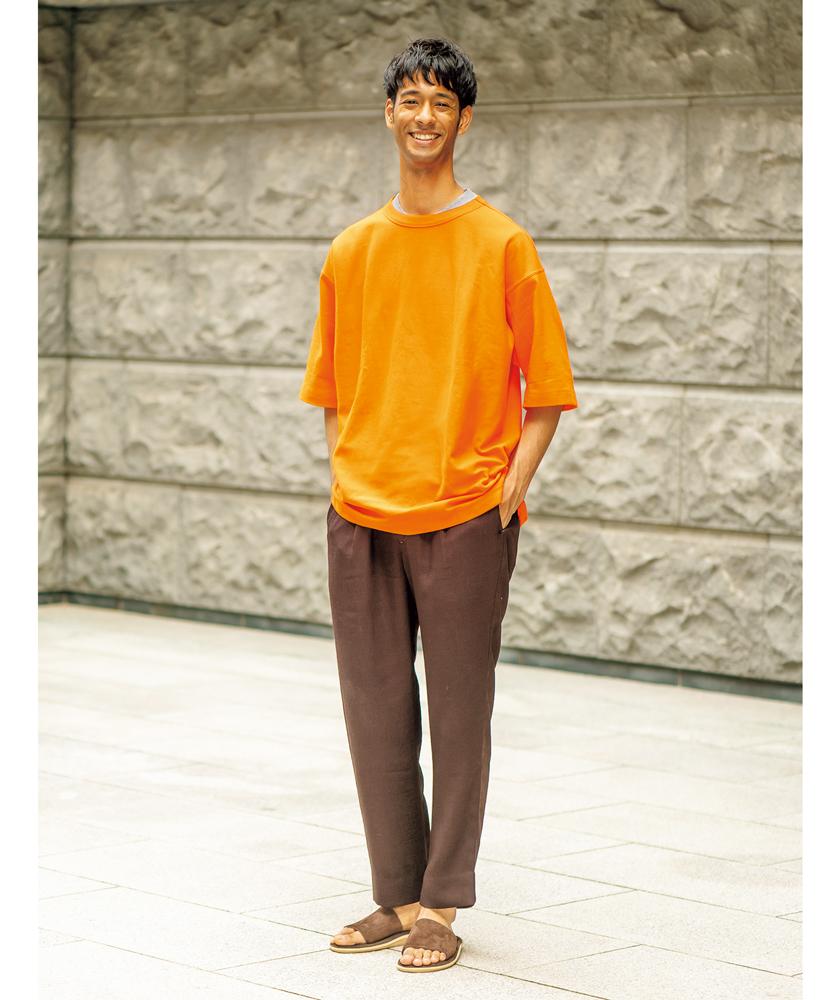 ビューティ&ユースのTシャツ ヘインズ×ビューティ&ユースのTシャツ モデル着用