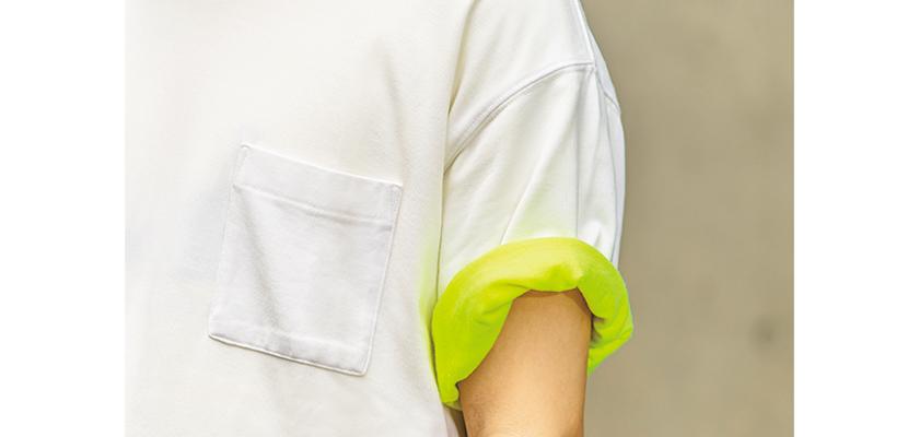 アーバンリサーチのTシャツ マネージャーズスペシャル×アーバンリサーチのTシャツ 袖口拡大