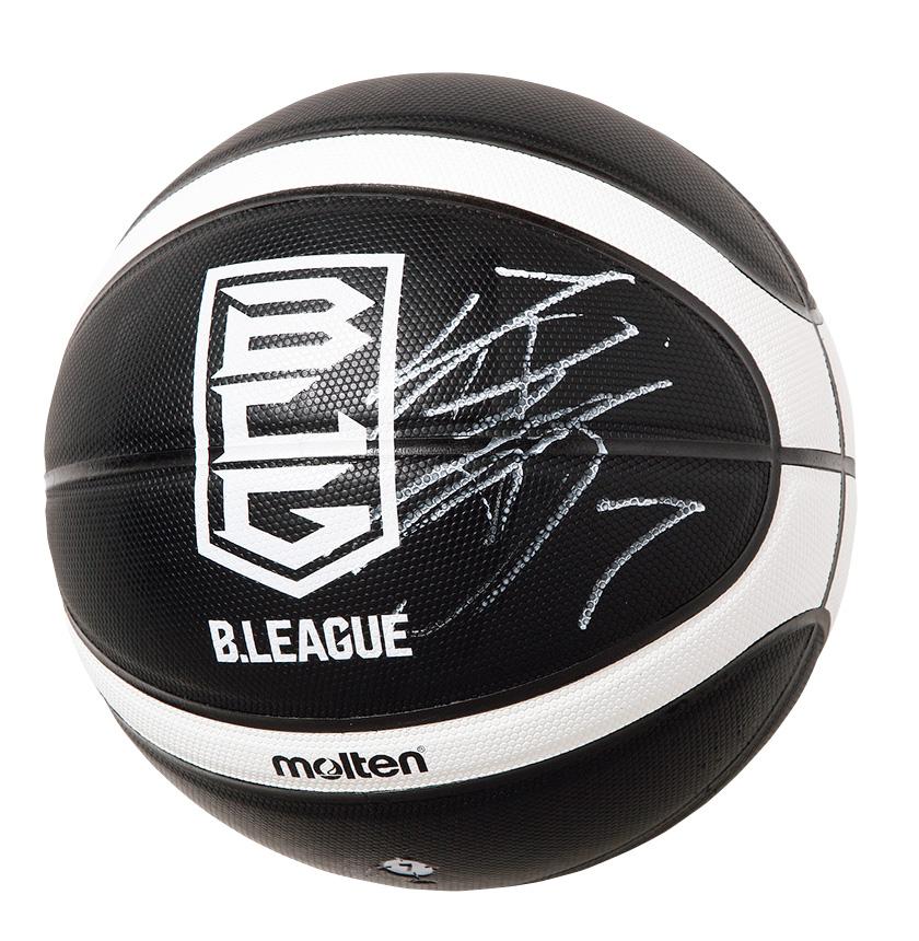 篠山竜青選手のサインボールとサインユニフォーム