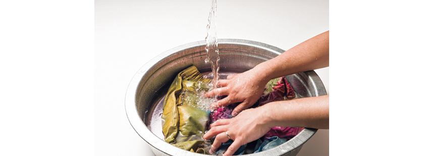 ③ソーピング液を溶いたお湯で洗い、その後水洗い→洗濯機洗い→乾燥させて完成。