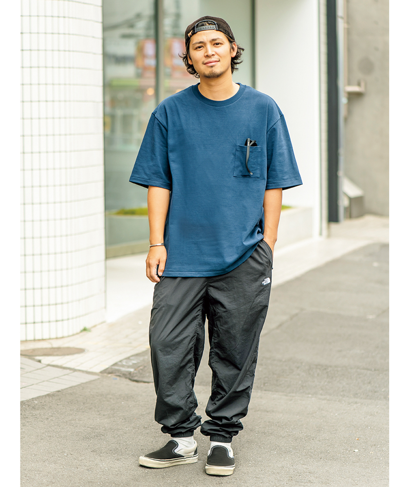 MXPのTシャツ  ザ・ノース・フェイスのパンツ モデル着用