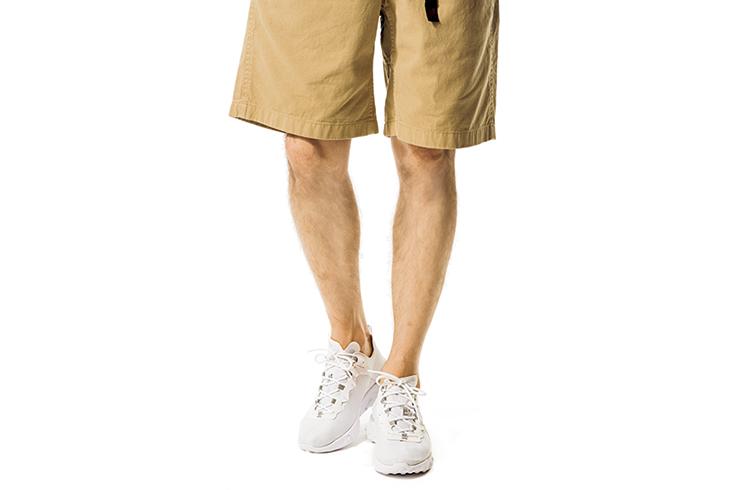 1分で夏の予習完了! ちょっぴり差がつくTシャツ×デニムのスカッとコーデ