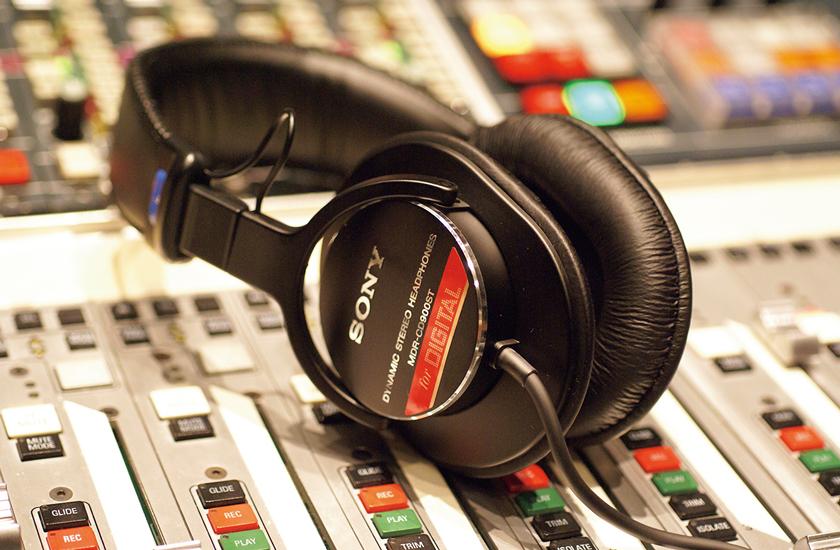 SONY Music Solutions[ソニー・ミュージックソリューションズ]モニターヘッドホンMDR-CD900ST