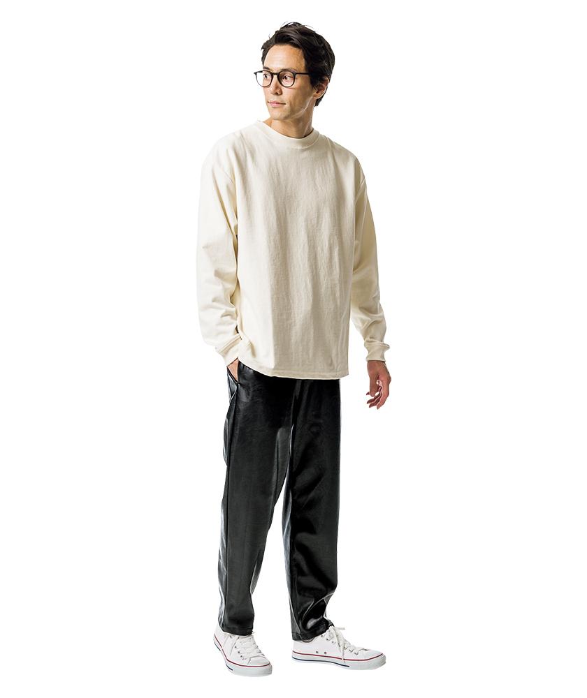 ユニバーサルオーバーオール×ジーンズファクトリーのエコレザー シェフパンツ