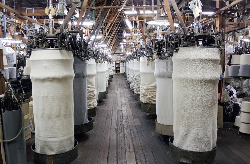 和歌山の工場にしかない'50年代の吊り編み機