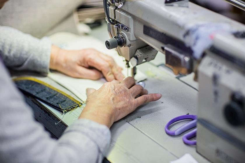 高木ソーイング 縫製作業
