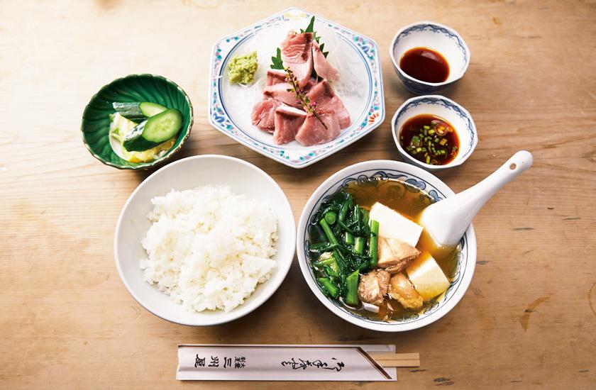 大衆割烹 三州屋 銀座店 天然ブリのたたき定食に鶏豆腐付き