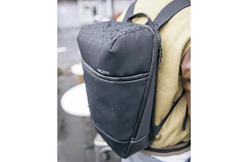 SALZEN サルゼンのバックパック