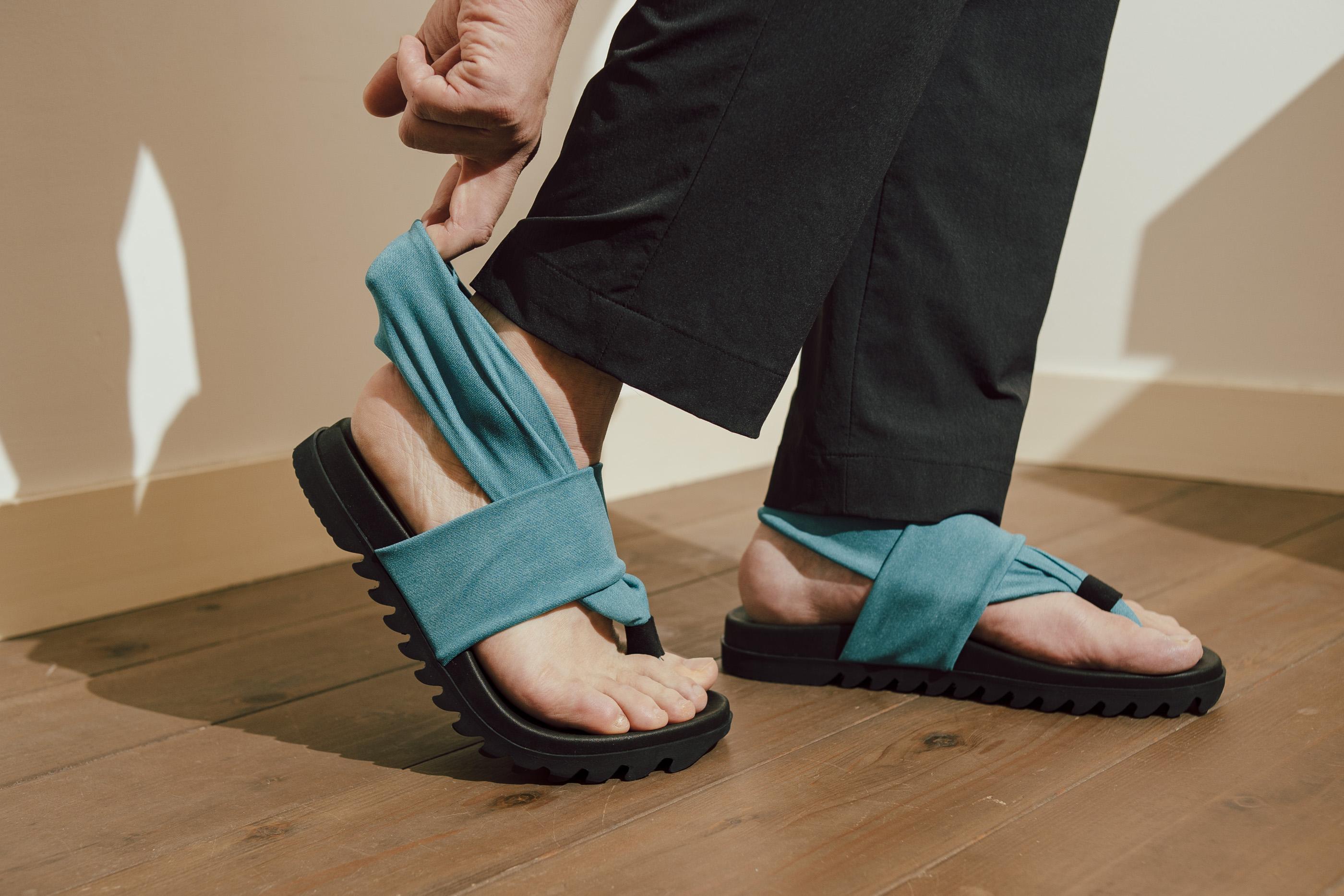 """吸い付くような履き""""ゴム""""地!靴ずれを起こさないサンダルのビギニン[後編]【ビギニン#09】"""