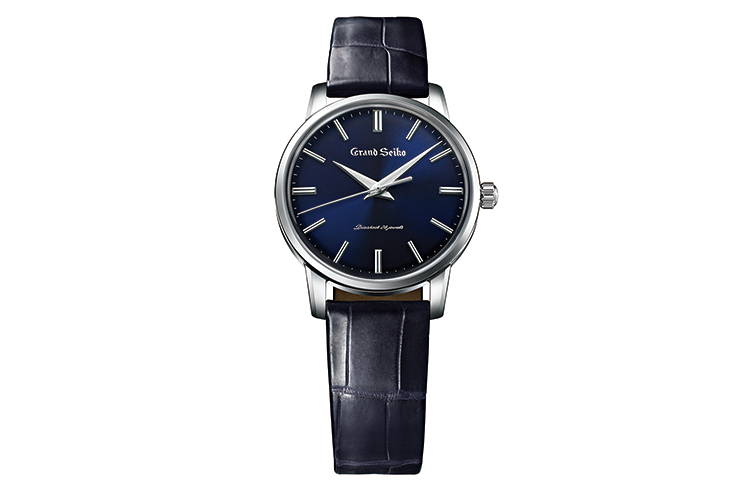 ニクソンのタイド時計は海にも人にもやさしい